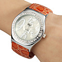 Women's Simple Round Dial Craquelure Grain Alloy PU Band Quartz Analog Bracelet Watch (Random Color)