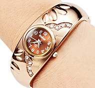Women's Watch Bracelet Style With Diamond Decoration