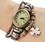 Frauen Vintage-Stil vier Kleeblatt Anhänger braunen Lederband Quarz-Armbanduhr