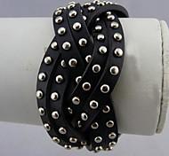 Style rétro rivet bracelet en cuir.