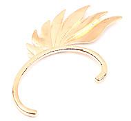 moda europeus e americanos exagero de metal brincos da orelha gancho único perfurado (ouro) (cor aleatória)