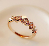 Fashion Diamanted Love Heart Golden Alloy Band Ring(Golden,Silver)(1 Pc)