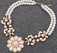Classique Pearl (Fleur) collier pendentif en cristal blanc (Blanc) (1 PC)