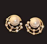 Fashion Beautiful Diamond Pearl Moon Shaped Round Gold Earrings
