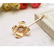 Pearl Four Petal Flower Hairpin