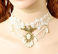 White Choker Necklaces / Collar Necklaces / Statement Necklaces / Vintage Necklaces Lace Wedding / Party Jewelry