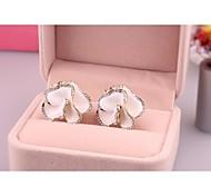Fashion White Red Flower Alloy Stud ,Clip Earrings for Women in Jewelry