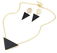 European Style Classical Interesting Small Triangular Earrings Necklace Set