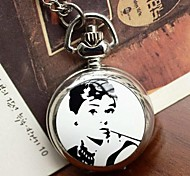 Women's Retro Small Nostalgia Enamel Quartz Movement Necklace Watch