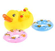 Mama und Baby-Enten-Familie mit zwei Schwimmring Badespielzeug
