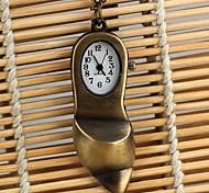 forma zapatilla vintage cuarzo esfera del reloj analógico neckleace de las mujeres