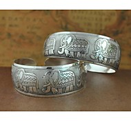 1PCS Fashion Carved Silver Bracelet N0.4