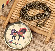 Women's Horse Pattern Round Dial Alloy Quartz Necklace Watch Green Patina (1Pc)