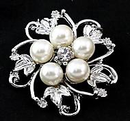 Fashion Rhinestone 5 Pearls Flower Brooches Random Color