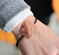 мода женщины цветок тиснения эластичный браслет