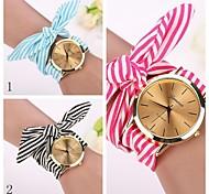 2015 newgeneva Modeuhren Frauen kleiden Uhr Armbanduhr Mädchen Bogen Stoffstreifen