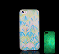 Aztec Pattern Glow in the Dark Cover for iPhone 4 / iPhone 4 S Case