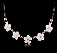 2015 Korean Fashion Sweet Flower Lady Short Paragraph Small Diamond Necklace