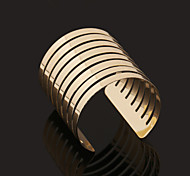 Europe And America Fashion New Boutique Metal Bracelet