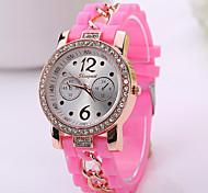 2015 neue Frauen-Kleid-Uhren Silikon Uhr Sommer Stil hochwertige Frauenarmbanduhr Art und Weisequarz-Mann-Sport