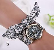 2015 Fashion new geneva watch women dress watches ladies watch flower gold fashion big dial cloth belt long strap