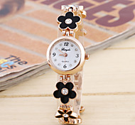 Women's Fashion Simple Circular Strip Chinese Clover Bracelet Watch Watch Movement(Assorted Colors)