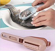 1 PC  Fish Skin Lid Scraping Fish Scale Brush Graters Fast Remove Kitchen Gadgets(Random Color)