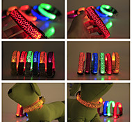 Cães Colarinho Prova-de-Água / Luzes LED / Leopardo Vermelho / Preto / Verde / Azul / Rosa / Amarelo / Púrpura / Laranja Náilon