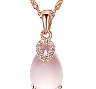 Woman Pink Quartz Lucky Necklace