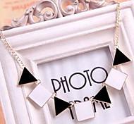 Triangle White Square Pendant Chain Choker Necklace