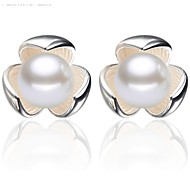 925 Sterling Silver Shamrock Pearl Earrings