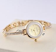 Ladies Fashionable Micro Pave Diamond Bracelet Quartz Watch Alloy Band Cool Watches Unique Watches