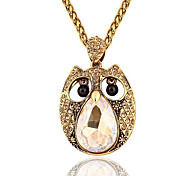 Necklace Pendant Necklaces Jewelry Wedding / Party / Daily / Casual Crystal / Alloy / Resin / Rhinestone Gold 1pc Gift