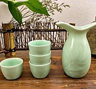 Jingdezhen vin en céramique artisanat de navires mis un flacon quatre tasses