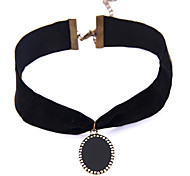 Vintage Classic Jewelry Simple Black Velet with Oval Black Enamel Metal Pendant Elegant Choker Necklace