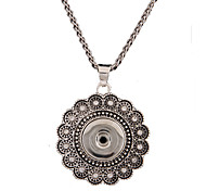 Rhinestone Pendant Necklaces Jewelry Wedding / Daily / Casual Flower Style / Euramerican / PersonalizedAlloy / DIY Snop Button Jewelry
