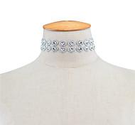 Жен. Ожерелья-бархатки Стразы Одинарная цепочка Акрил Двойной слой Мода Euramerican Серебряный Бижутерия Для Повседневные 1шт