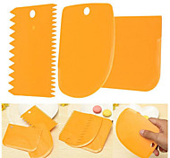3Piece/Set Cream Scraper Knife Decorating Tool Cake Plastics Multi-function Baking Tool Random Color