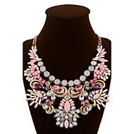 女性 ステートメントネックレス クリスタル ジェムストーン 合金 ファッション ステートメントジュエリー レッド グリーン ピンク ジュエリー パーティー 誕生日