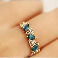 문자 반지 에메랄드 크리스탈 라인석 모조 다이아몬드 합금 골든 보석류 일상 캐쥬얼 1PC