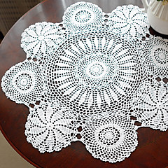 el yapımı tığ işi beyaz vintage görünümü masa örtüsü
