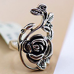 Personality Retro Rose Hollow Carved  Palace Ring