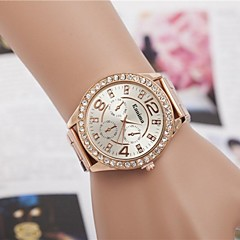 Women's Fashion Rhinestones Imitation Diamond Strap Watch Steel Belt Quartz Wrist Watch(Assorted Colors) Cool Watches Unique Watches