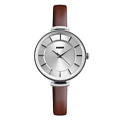 SKMEI Mulheres Relógio de Moda Relógio Casual Quartzo Impermeável Couro Banda Legal Preta Branco Vermelho MarromBranco Preto Marron