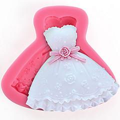 1Pcs  A Skirt Mold To Make Chocolate Or  Cake  8.5Cm*7Cm*1.7Cm