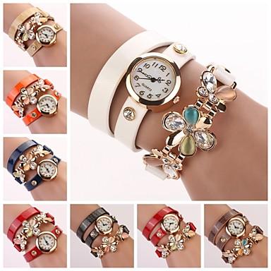 Women's White Dial Flower Crytal Three-Layer Leather Band Random Pendant Quartz Fashion Bracelet Watch (Assorted Color) Cool Watches Unique