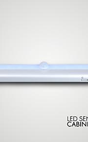 ledet sensor kabinett lys 10led AAA batterier 50000hrs levealder 50000hrs