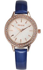 Mulheres Relógio de Moda / Relógio de Pulso Quartz / Couro Banda Legal / Casual Preta / Branco / Azul / Vermelho marca