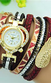 여성용 팔찌 시계 석영 라인석 PU 밴드 Heart Shape 블랙 화이트 레드 브라운 네이비 로즈