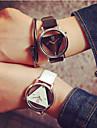 남성 아가씨들 커플용 스켈레톤 시계 석영 중공 판화 PU 밴드 블랙 화이트